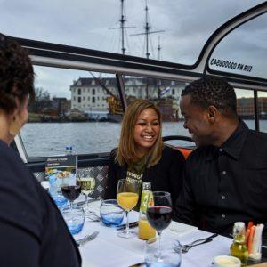Crucero con cena